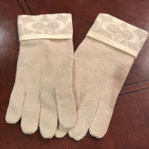 Coach gold metallic O/S knit merino wool gloves.
